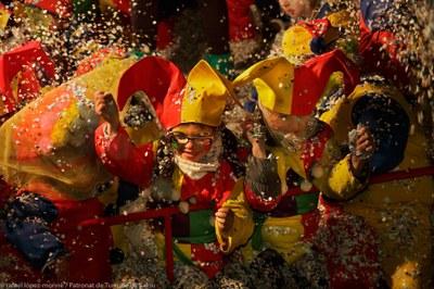 "Winter Festival: ""Cós Blanc"" Parade"