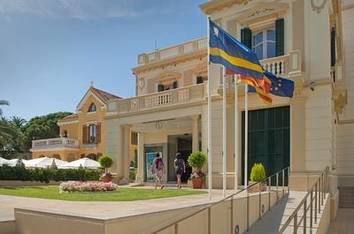 Platja llarga patronat de turisme de salou - Oficina turismo andorra ...