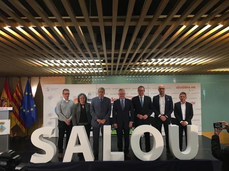 Els 8 municipis de sol i platja més importants d'Espanya reclamen una nova definició de municipi turístic i millor finançament